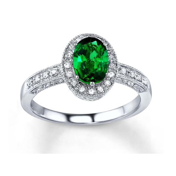 emerald ring design