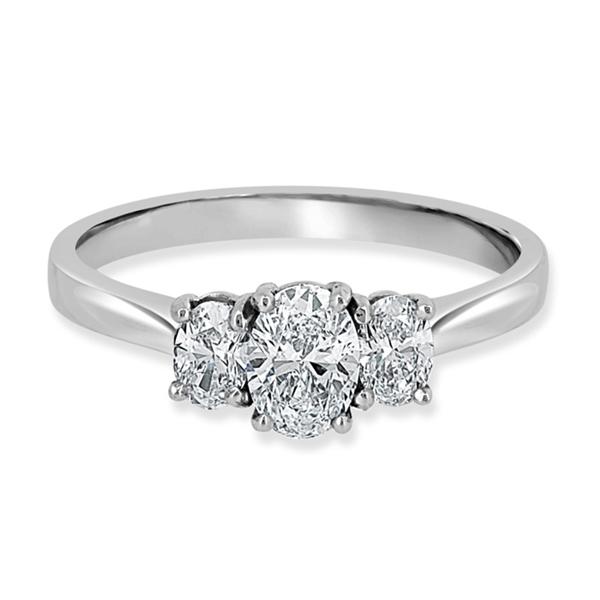 oval diamond trilogy ring