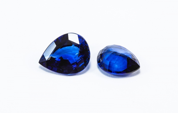 Loose blue sapphires