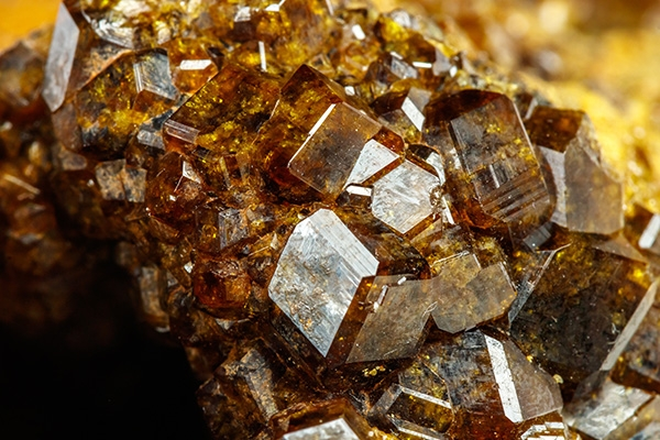 Grossular rough garnet