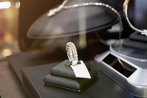 Ring price tag