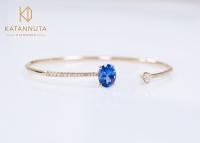 Tanzanite and diamond bangle