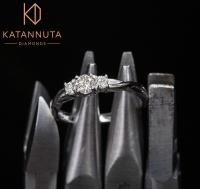 3 round diamond engagement ring