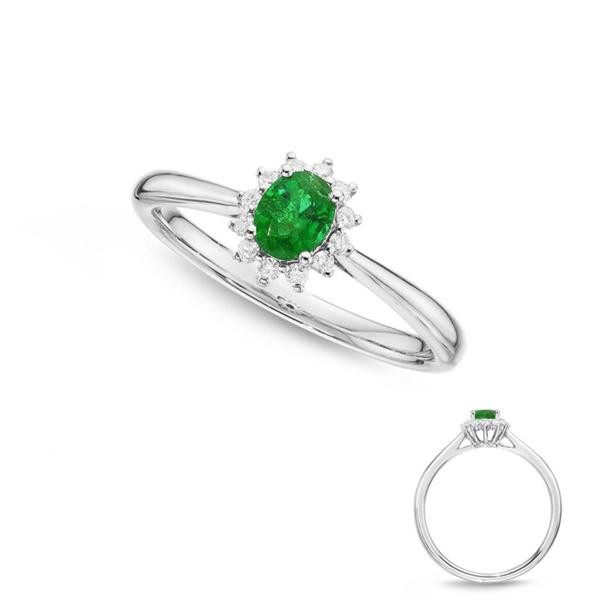 emerald stone engagement rings