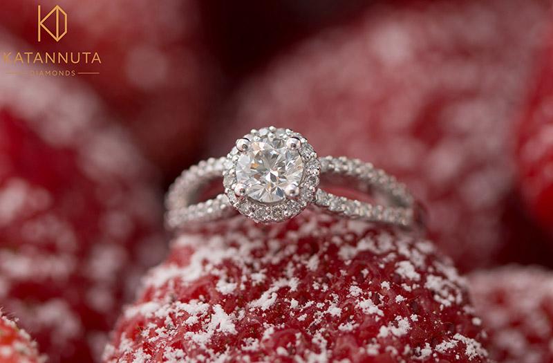 Split-shank halo round diamond engagement ring