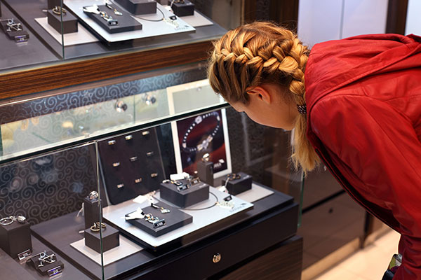 Half-truths you'll hear in retail jewellery stores